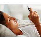 60% des Français consultent leur smartphone dans l'heure qui suit leur réveil