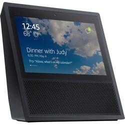Amazon présente l'Echo Show : l'assistant virtuel Alexa est maintenant équipé pour les appels vidéo