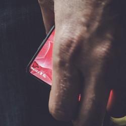 Andy Rubin : un teaser pour le premier smartphone de sa nouvelle compagnie Essential
