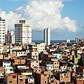 Brésil : le téléphone mobile trouve sa place dans les favelas