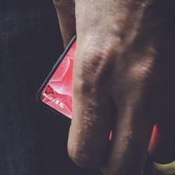 Essential Phone: Andy Rubin, le co-créateur d'Android, dévoile son premier smartphone le 30 mai