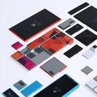Google et Yezz présentent les premiers modules du smartphone Ara