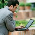 Internet devance les mobiles pour les communications privées