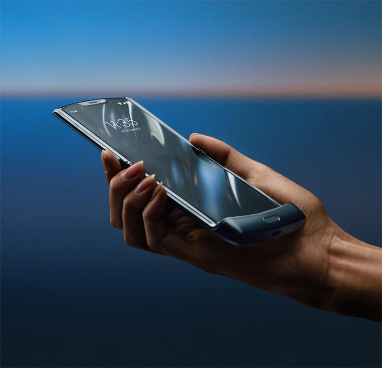 "Le Motorola RAZR version ""smartphone"" sera bientôt de retour"