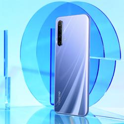 Realme X50 5G : quatre capteurs à l'arrière, un écran 120 Mhz, et la 5G pour 379 €