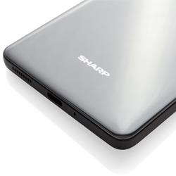 Sharp fait son retour sur le marché des smartphones