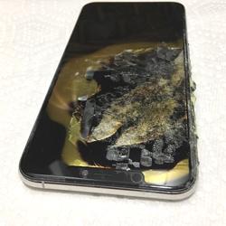 Un iPhone XS Max prend feu et explose