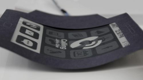 Un prototype de smartphone qui se plie lors de la réception d'un appel